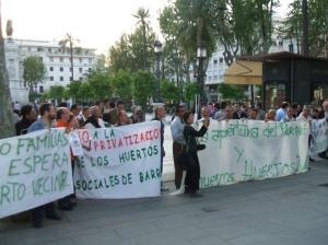 Los ciudadanos se oponen a la destrucción del Patrimonio.