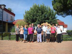 Los representantes de Amigos de los Jardines de la Oliva