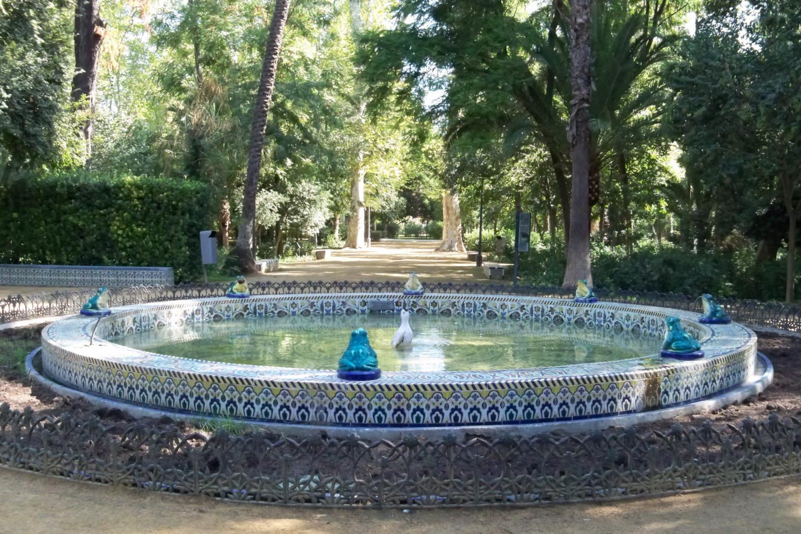 Arrancan Una Rana De Cerámica De La Fuente De Las Ranas Asociación Amigos De Los Jardines De La Oliva