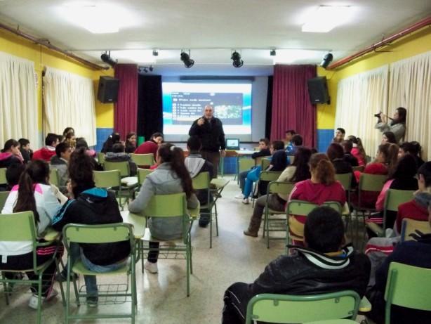 Los alumnos del I.E.S Antonio Domiíguez Ortiz que asistieron a la charla sobre el Parque José Celestino Mutis