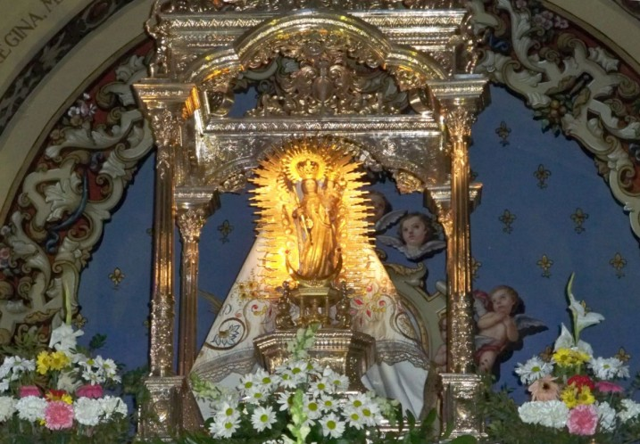Y también rezamos a Nuestra Señora de los Ángeles