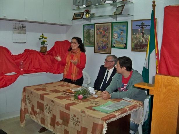 Eva Patricia Bueno, concejal de grupo socialista en el Ayuntamiento de Sevilla, recordando las clases de jardinería que le dio Alberto García Camarasa.