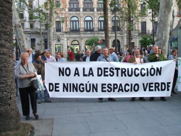 Aquellas concentraciones de la Plataforma para evitar su mutilación de los Jardines de Prado
