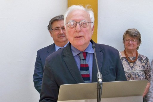 """Aquilino Duque recitando el poema """"Colegiala del Valle"""""""