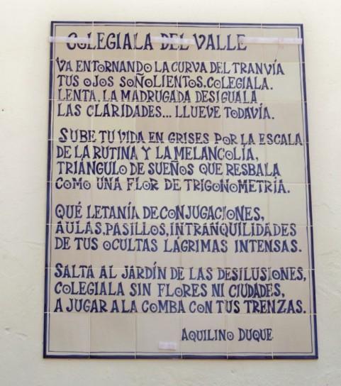 """El poema """"Colegiala del Valle"""" con una errata, en el lugar de curva...es cuna."""