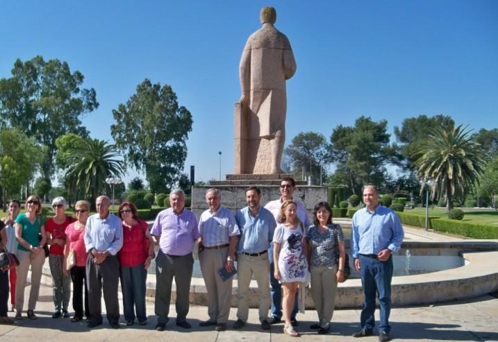 El catedrático Don Enrique Quesada Moraga, dándonos la bienvenida a la Universidad de Córdoba.