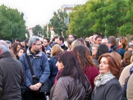 Vecinos y docentes unidos contra la agresión a los maestros