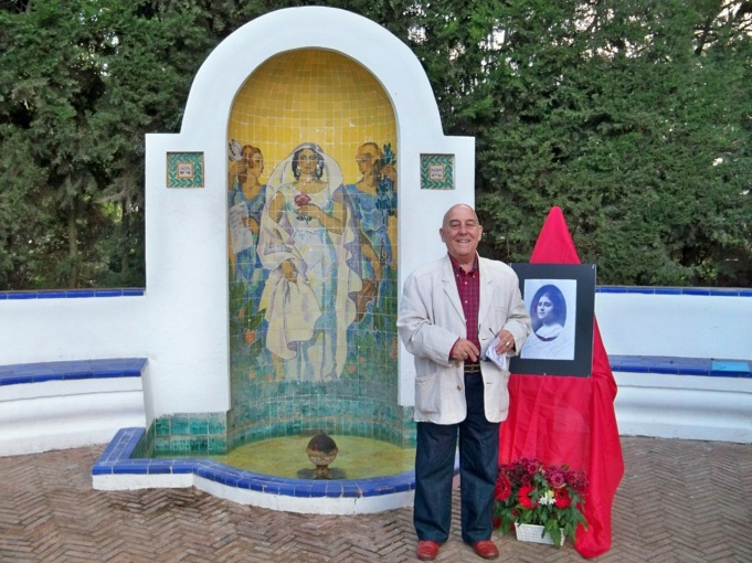 Juan A. Bertoméu, antes de comenzar el acto de homenaje a Ofelia Nieto.