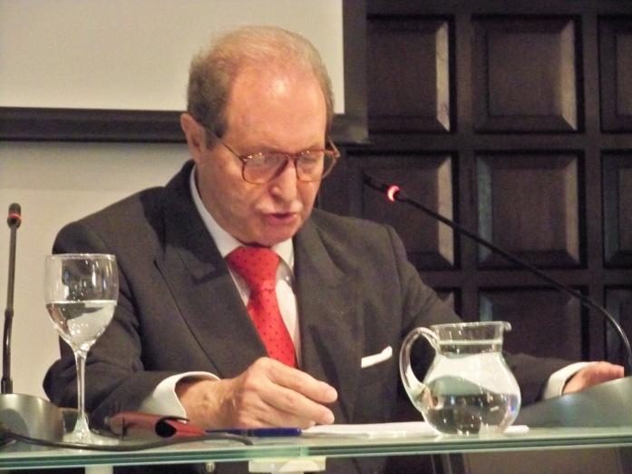 """Daniel Pineda Novo, Doctor en Filosofía y Letras por la Universidad de Sevilla.  ponente de la conferencia """"Los Machado y Sevilla"""""""