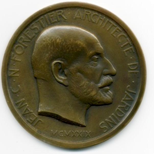 Medalla dedicada a JCN Forestier