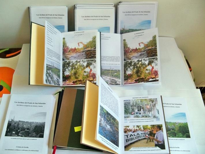 Primera edición artesanal  del libro Jardines del Prado de San Sebastián elaborada por miembros de nuestra asociación.