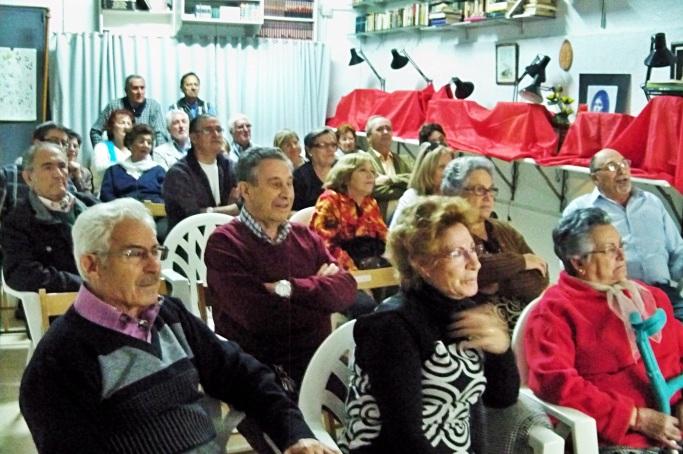 El público asistente, participó activamente con comentarios y anécdotas durante toda la proyección.