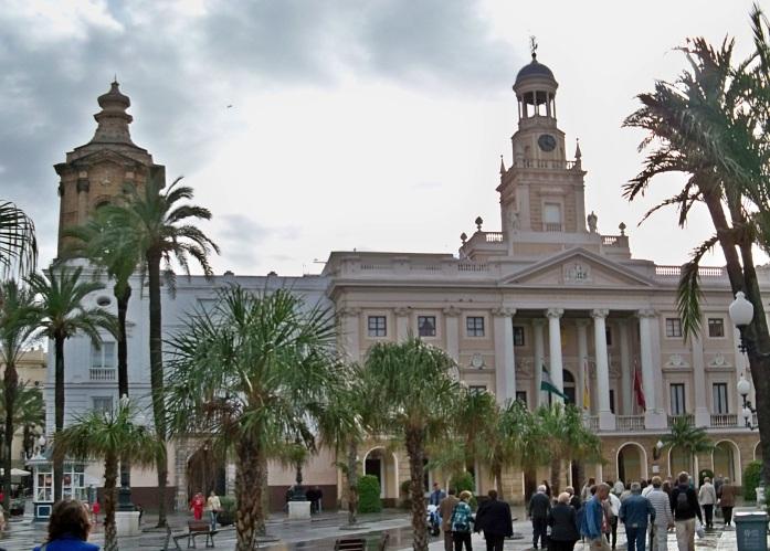 Ayuntamiento de Cádiz. La Corporación nos dio un caluroso recibimiento.