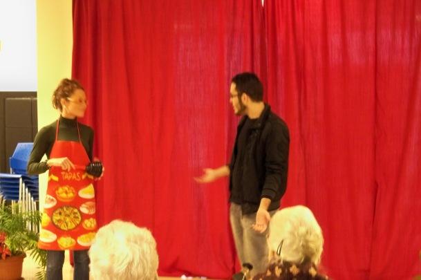 María José Martínez y su compañero, interpretaron una picante y divertida comedia