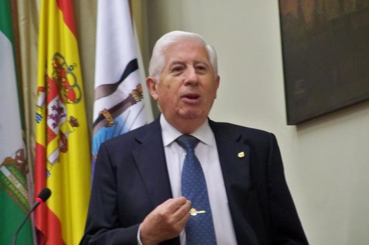 """En el acto de presentación, Jesús Rossi López de Castilla, recitó algunas """"solea"""" de Manolo, como  """"Soleá del amor desprendido"""" y """"Soleá del amor indiferente"""""""