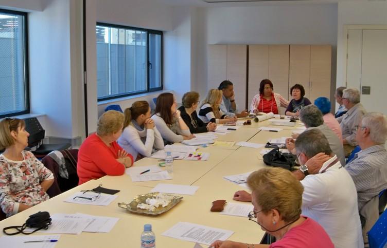 Reunión de la Coordinadora de Mayores de la Zona Sur de Sevilla en el nuevo edificio de Asuntos Sociales del Polígono Sur