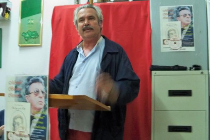 Ángel Ramón Fernández, recitando el poema