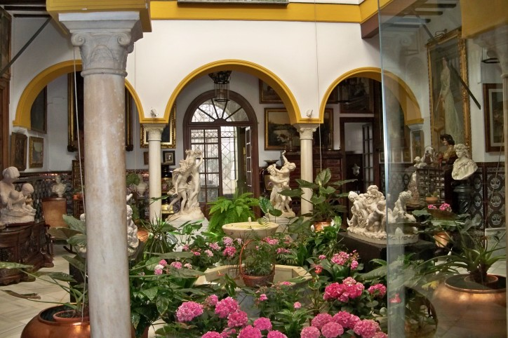 La casa que alberga la colección Bellver, en la Plaza del Museo