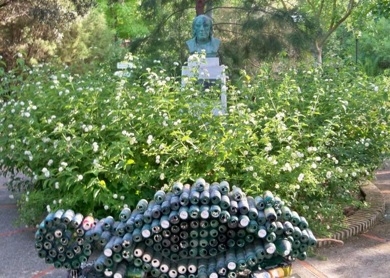 Monumento al naturalista gaditano José Celestino Mutis
