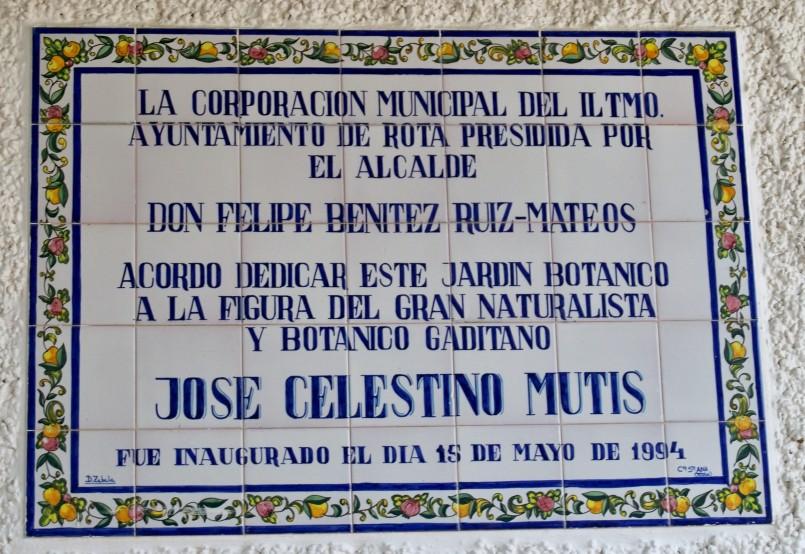 Azulejo situado en la entrad del Jardín Botánico.