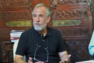 Adolfo Fernández, exponiendo las líneas generales de su gestión al frente de la Dirección General de los Parques y jardines de Sevilla