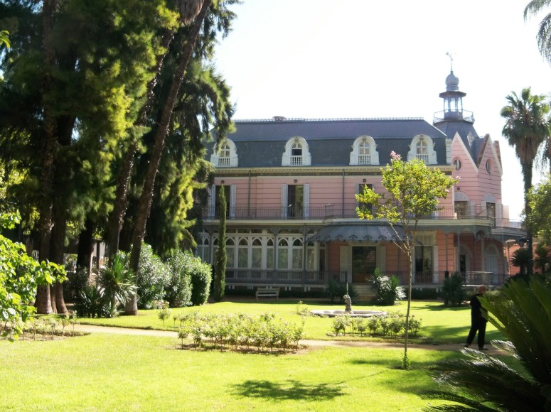 El jardín romántico de la Casa Rosa