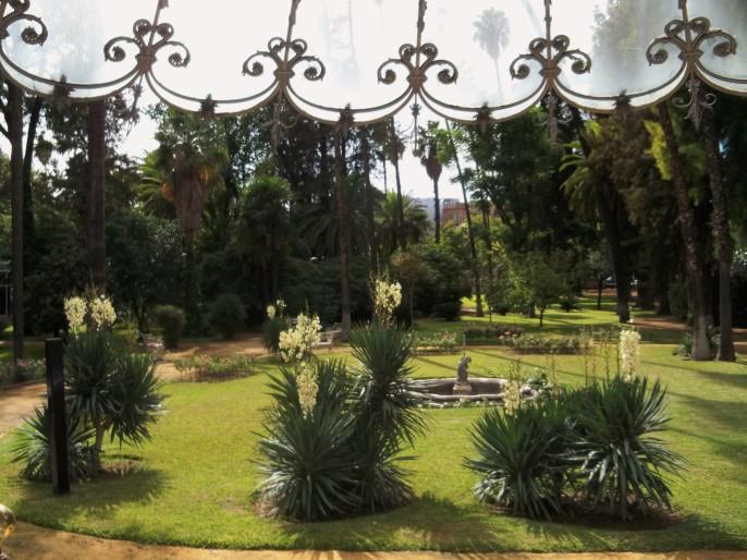 Vista del jardín desde el edificio de la Casa Rosa.
