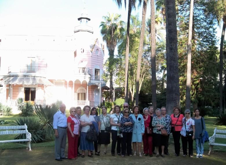 Visita al jardín de la Casa Rosa: Ciudadanos del primer grupo
