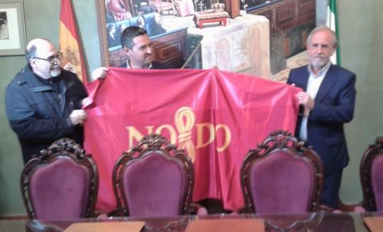 La bandera de Sevilla en el Salón de Plenos de Rota.