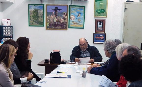 Jacinto Martínez, lee el resumen de la reunión anterior