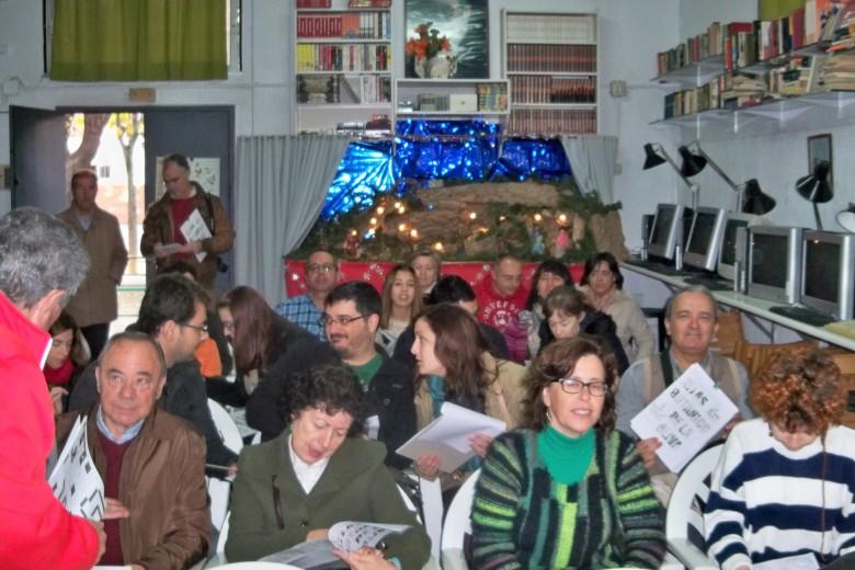 A Los asistentes se le entregaron varios folletos de las actividades que realiza nuestra asociación y un plano de la barriada Ntra Sra. de la Oliva para la ubicación de los árboles.