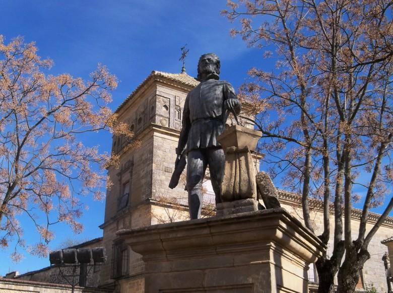 Monumento al arquitecto de Úbeda Juan de Vandelvira.