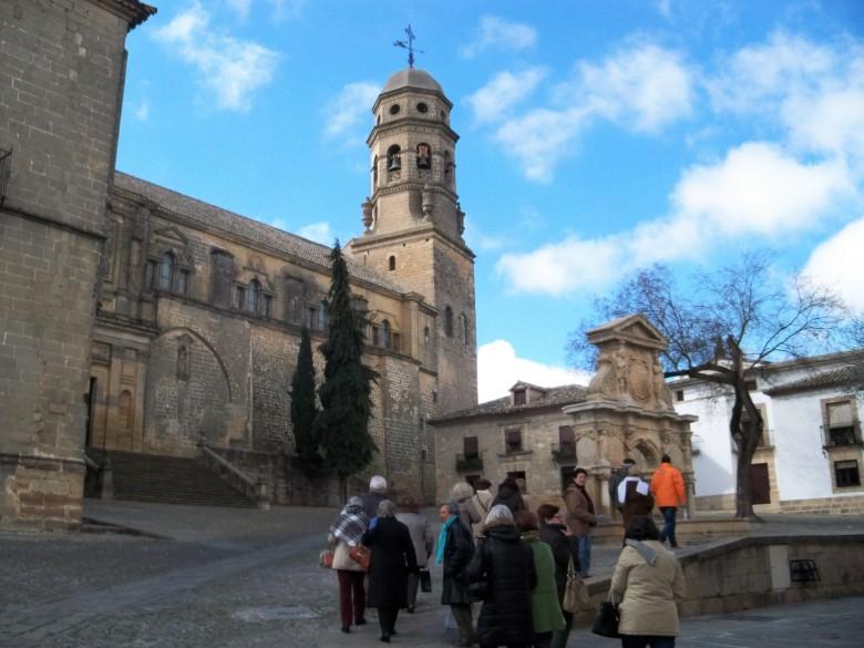 En la Plaza de Santa María, donde se encuentra su magnífica fuente del siglo XVI y pudimos contemplar su Catedral.