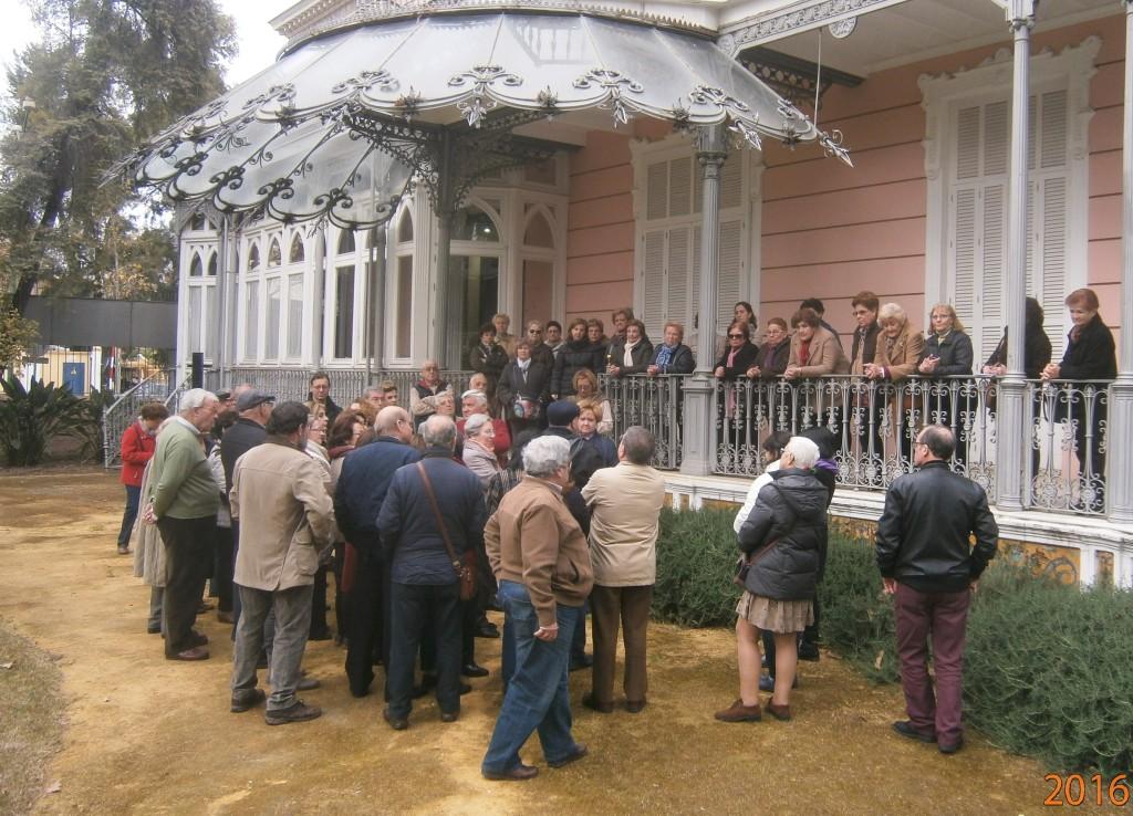 50 alumnos de los Talleres del Distrito Sur visitaron el Jardín de la Casa Rosa