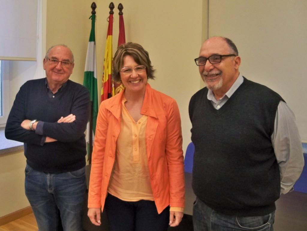 Manuel González y Jacinto Martínez con la Directora General del Distrito Nervión.
