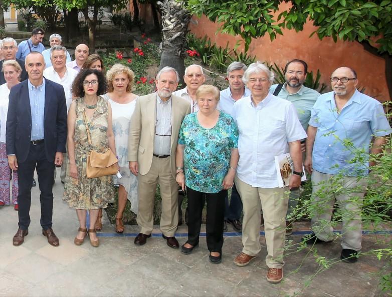 Algunos de los convocados a la reunión de la Mesa del Árbol.