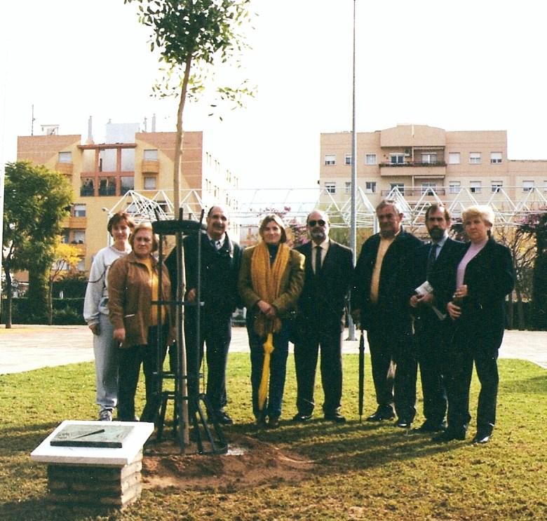 Clausura del XXVII Congreso de Parques y Jardines Públicos 25-11-2000 se plantó un caobo.