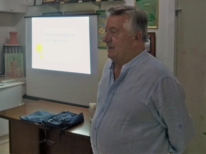 José Elías Bonells, conferencia sobre la dignidad de los árboles.