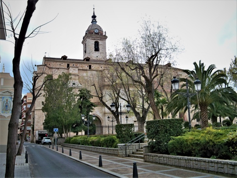 Reloj carill n de la plaza mayor de ciudad real for Jardines del prado